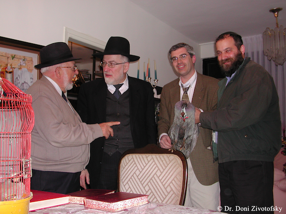 Rav Shecter meeting with a Rav who has the mesorah on Guinea Hens